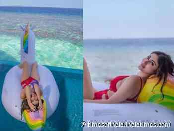 """Proof that Mouni Roy is a """"water baby"""""""