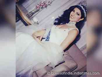 Priyanka shares a pic of her Miss World title