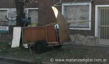 Lomas del Mirador: piden ayuda en las redes para recuperar el carro que les robaron - Matanza Digital