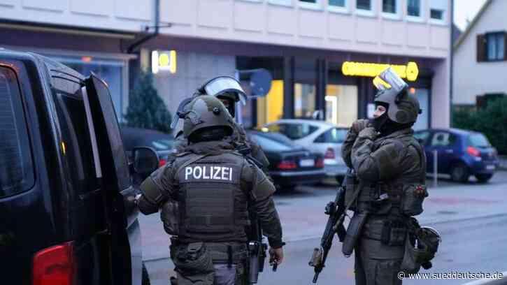 Kriminalität - Blutiger Streit auf offener Straße in Plochingen - Süddeutsche Zeitung