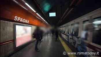 Spagna, percorsi tattili per ipovedenti: saranno installati sulla banchina e nell'atrio della stazione