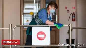 Can coronavirus be transmitted by door handles?
