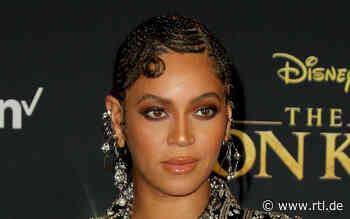 Beyoncé und Jay-Z erheben sich bei der Nationalhymne nicht - RTL Online
