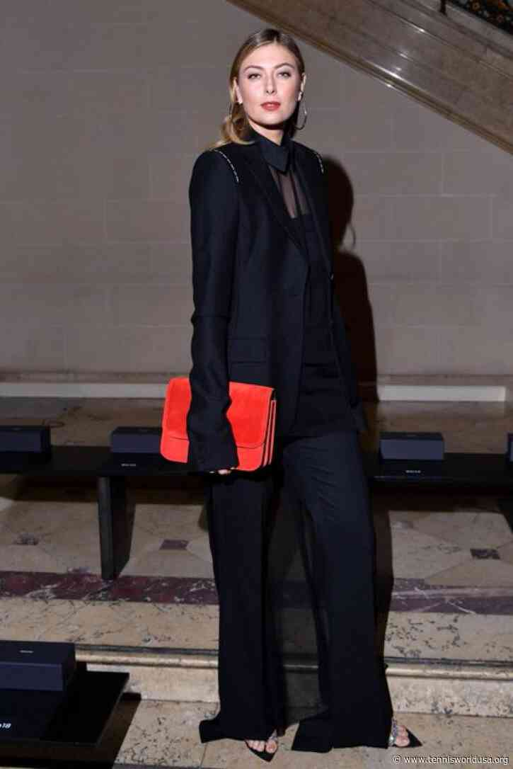 Maria Sharapova Attends Vera Wang Fashion Show