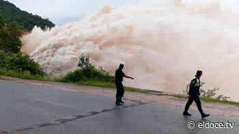 El espectáculo del dique El Cadillal en Tucumán - eldoce