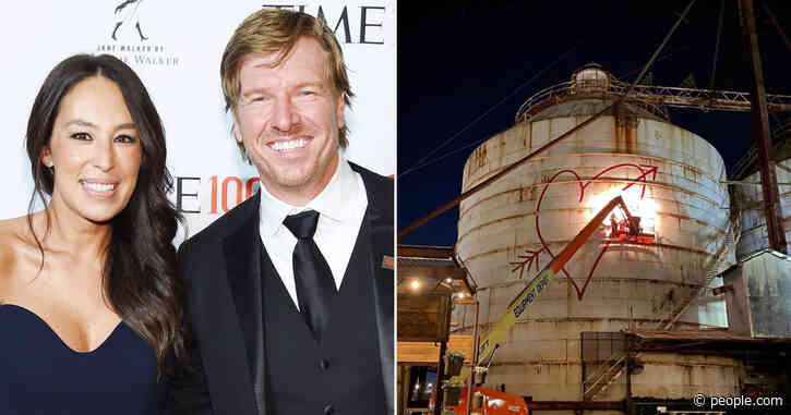 Chip Gaines Leaves Massive Love Note for Wife Joanna on Magnolia Market Silo for Valentine's Day