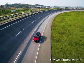 Sales take big hit as holiday, virus dent showroom traffic - Automotive News
