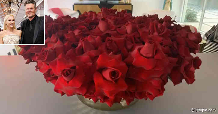Blake Shelton Gifts Gwen Stefani 'Ridiculously Beautiful' Bouquet for Valentine's Day