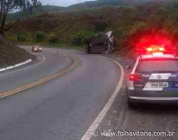 Caminhão tomba na BR-262 em Ibatiba e motorista fica ferido - Jornal Folha Vitória