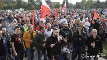 """""""Eine Welle der Solidarität"""" - Riesige Demo gegen Stellenabbau bei Continental - fr.de"""