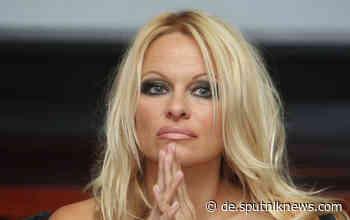 Naturschutz in der Antarktis: Pamela Anderson bittet Putin um Hilfe - Sputnik Deutschland