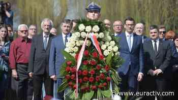 Polish PM seeks visit to Russia for Smolensk plane crash and Katyn anniversaries - EURACTIV