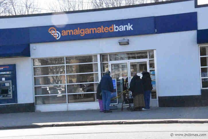 Amalgamated Bank on East Tremont Avenue robbed at gunpoint