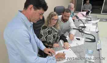 Câmara de Manhumirim empossa Carlos Alberto Gonçalves no cargo de prefeito - Portal Caparaó