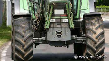 Unfall bei Überholmanöver: Autofahrer rammt zwei Traktoren - msl24.de