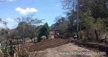 Reparan caminos rurales en La Trinidad| Noticias ABC - Radio ABC | Noticias ABC