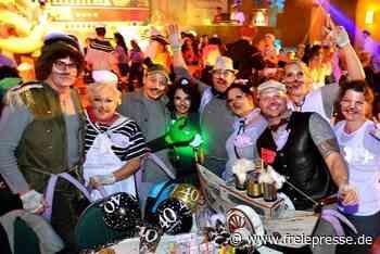 Karneval bunt und schrill - In Hainichen, Rossau und Frankenberg geht's hoch her - Freie Presse