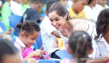 Gestora Social de Bolívar entregó kits escolares en Mompox - Caracol Radio