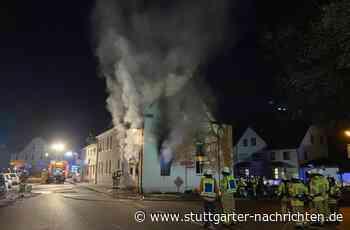 Brand in Neckartenzlingen - Bewohnerin vor Flammen gerettet - Stuttgarter Nachrichten