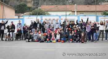 Saint-Chamas : le handball pour sensibiliser les élèves au handicap - La Provence