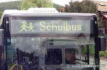 B8 in Mittelfranken: Lieferwagen kracht in mit 80 Kindern besetzten Schulbus - inFranken.de