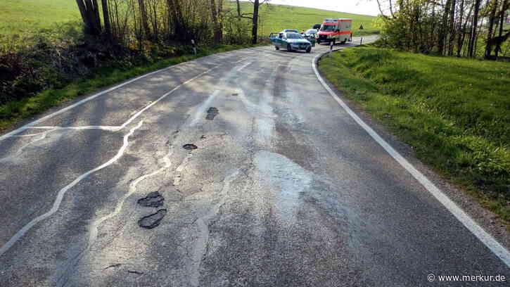 Jachenau (Bayern): Motorradfahrer aus München tot - er schleuderte gegen Auto | Jachenau - merkur.de