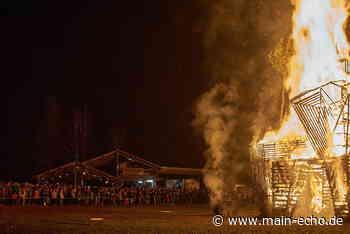 1000 Besucher bei Wintersonnwendfeier »Börning Män« in Sailauf - Main-Echo