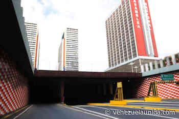 """Túneles de El Silencio y La Trinidad convertidos en """"boca e' lobo"""" - http://venezuelaunida.com/"""