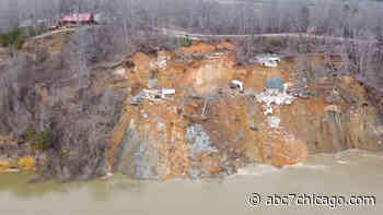 Video shows 2 homes collapse in landslide along the Tennessee River - WLS-TV