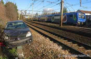 Savigny-sur-Orge : une voiture tombe à quelques centimètres des voies du RER C - Le Parisien