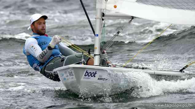 Segel-WM in Melbourne: Philipp Buhl ist erster deutscher Weltmeister im Laser - Tagesspiegel
