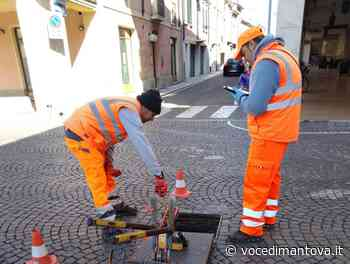 Al via a Ostiglia la pulizia di 2100 tombini da ogni residuo che ostruisce il deflusso delle acque piovane - La Voce di Mantova