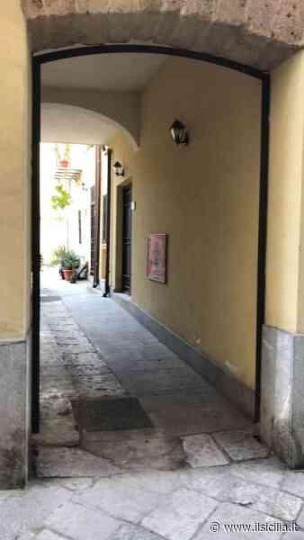 Archiviata la querelle a Palermo, rimosso il cancello sotto casa dell'assessore Catania - ilSicilia.it