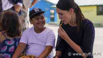 Flaxmere kids beam at sight of Prime Minister who announces free lunches for NZ Schools - Stuff.co.nz