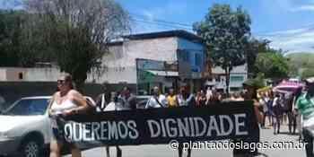Pais cobram da prefeitura de Cachoeiras de Macacu, RJ, solução para a greve da Educação diante da volta às aulas - Plantao dos Lagos