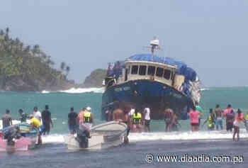 Barco encalló en arrecife de la Costa Arriba de Colón - Día a día
