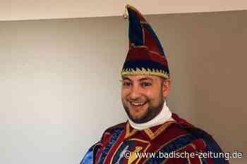 Sven King fährt im Pfauenkahn die Elz entlang - Rust - Badische Zeitung