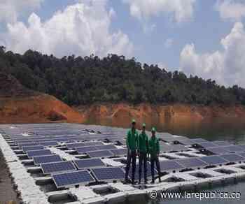 EPM desarrolla en El Peñol, Antioquia, el primer piloto de parque solar flotante en Hispanoamérica - La República