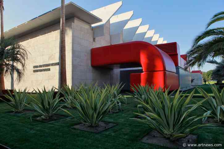 LACMA's Debt, Mexican Muralism at the Whitney, and More: Morning Links from February 21,2020