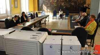 Municipales Orange : une petite inspection des inscriptions et des radiations - La Provence