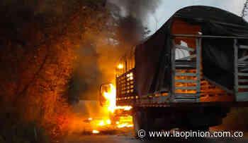 Queman camión en la vía Cúcuta-Tibú - La Opinión Cúcuta