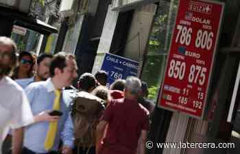 ¿Presión para el Banco Central? Dólar arrasa en el mundo y en Chile rompe con facilidad los $ 800 - LaTercera