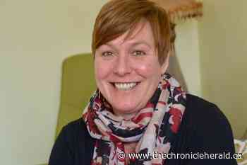 Kentville woman returns bank manager's kindness, with a kidney - TheChronicleHerald.ca
