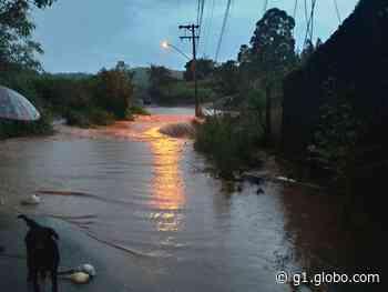 Defesa Civil de Campo Limpo Paulista monitora casas interditadas por conta da chuva no Botujuru - G1