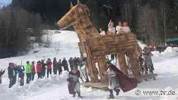 Pfronten: Faschingsumzug auf Skiern statt Traditionsrennen - BR24