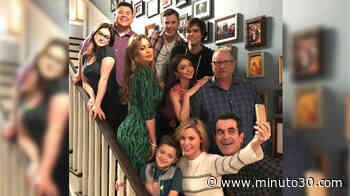 VIDEO: Entre lágrimas Sofía Vergara y sus compañeros de set despidieron a 'Modern Family' - Minuto30.com