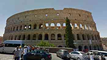 """""""Il Colosseo come uno spartitraffico"""": più di 3500 auto l'ora intorno al monumento"""