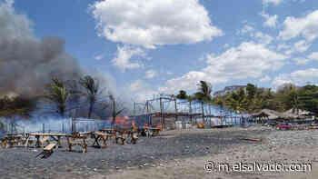 Reportan incendio en ranchos de playa El Palmarcito, en La Libertad - elsalvador.com