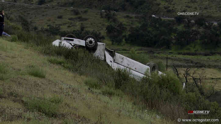 3 dead, 18 injured in bus rollover in San Diego County