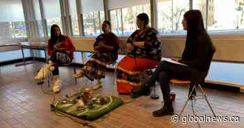 'Wet'suwet'en Strong': Winnipeg student hosts panel discussion on Indigenous rights